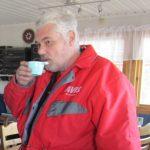 Varmt kaffe var gott i den hårda vinden.