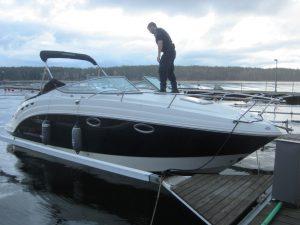 Stulen båt anlöpte hamnen i november.
